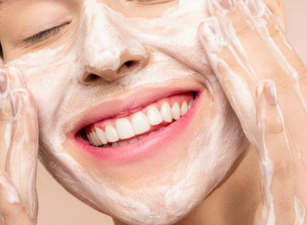 Get Rid Of Pimples Naturally: Here's How