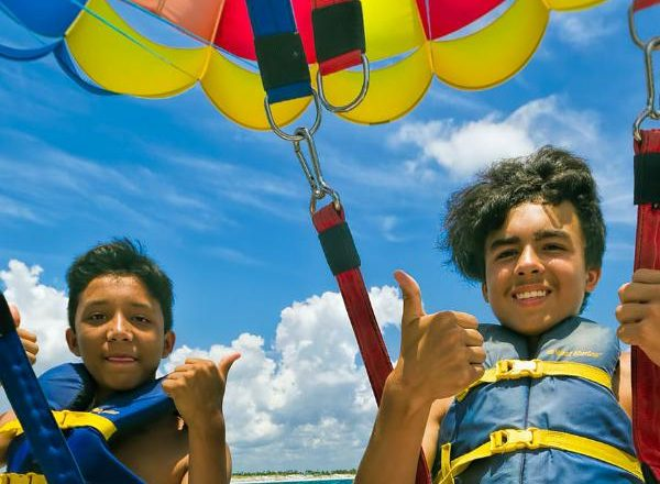 What You Need To Know About Parasailing