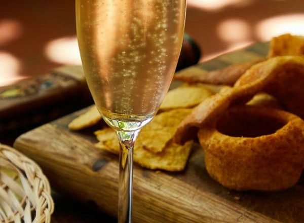 Tips for Choosing the Right Pair of Wine and Cheese
